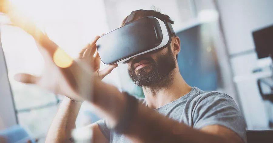 『新酷应用』HTC Vive图书馆计划:用VR服务生活
