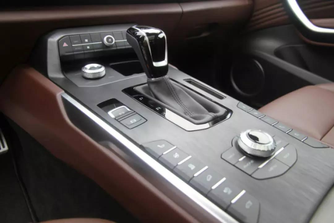 """颜值高 加速快 又省油 试驾插电混动豪华SUV """"WEY P8"""""""