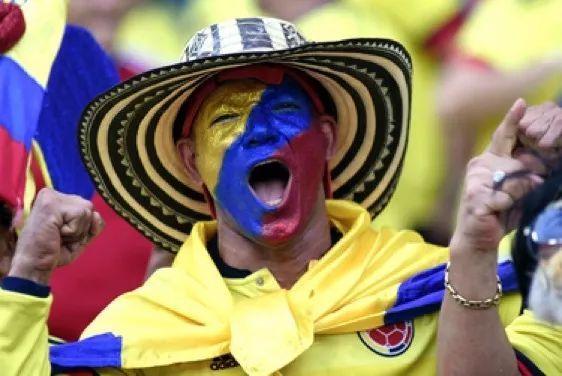 世界杯最正确的打开方式,有颜又有钱!