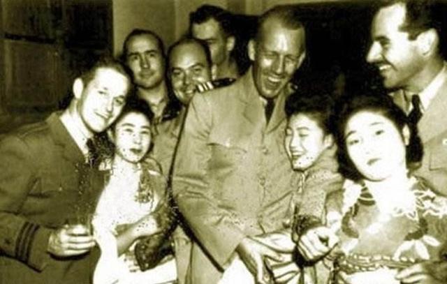 [原創]二戰日本投降后,那些進駐日本的美國大兵過著怎樣的生活?(圖)