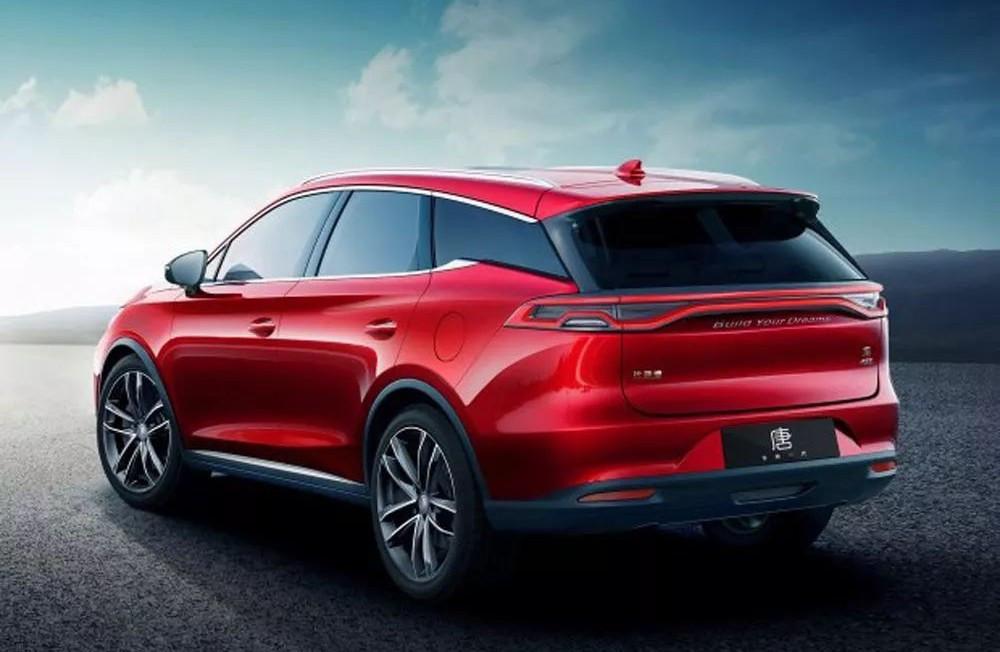 而车侧得益于双腰线的设计及悬浮式车顶的加入,也营造出很强的力量感.图片