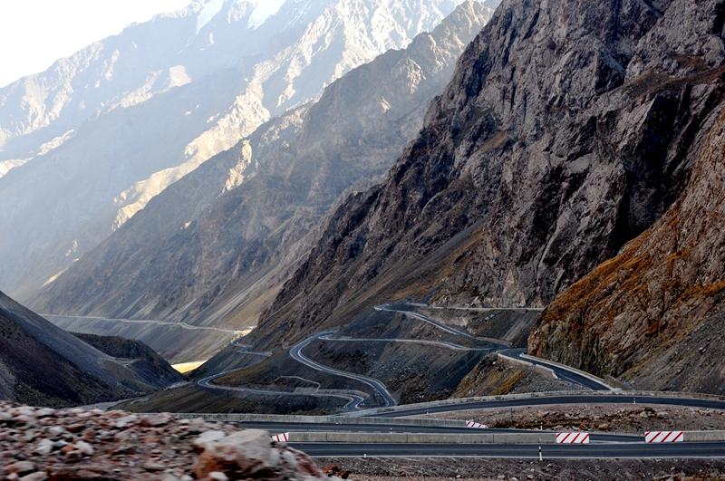 陪着老妈逛新疆——《翻越中国公路建设史上的丰碑独库公路》