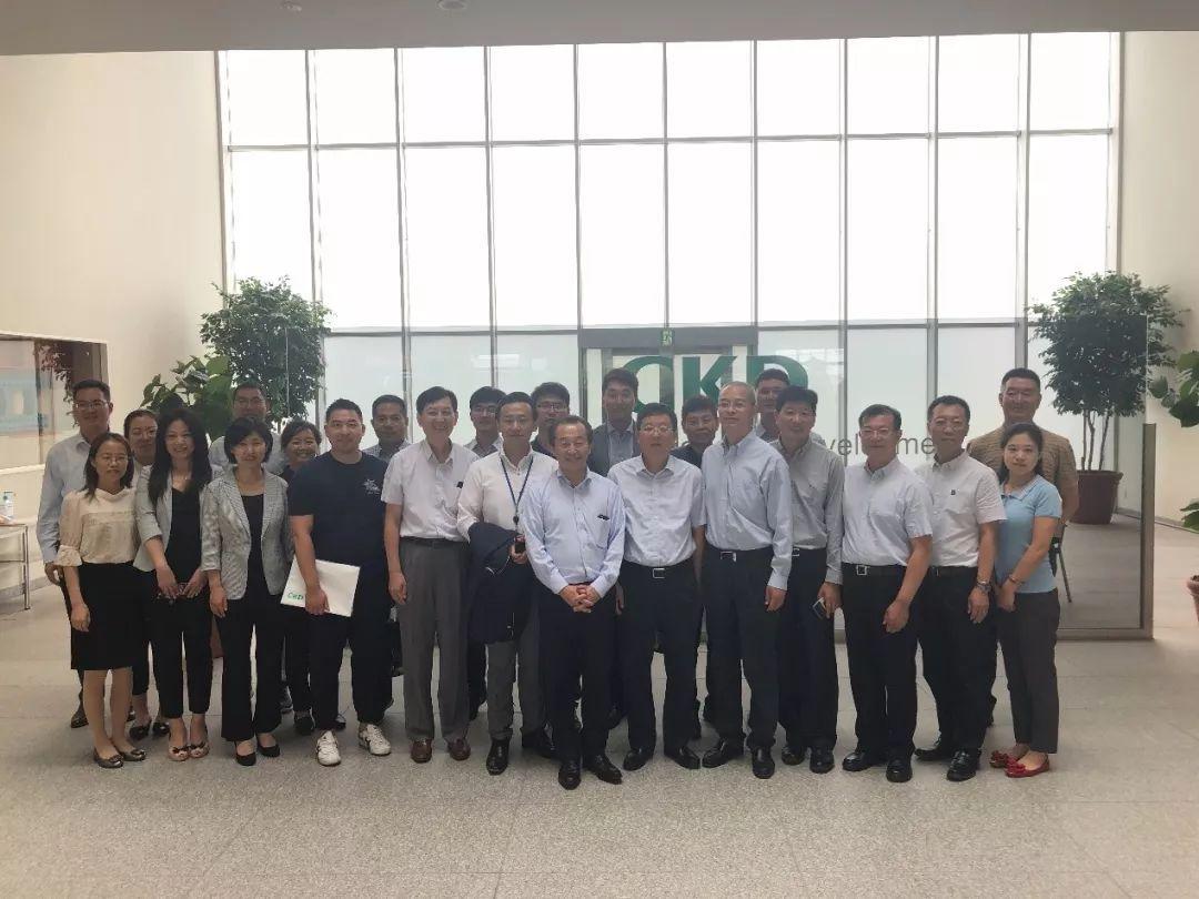 中国医药包装协会携会员单位参观CKD株式会社及