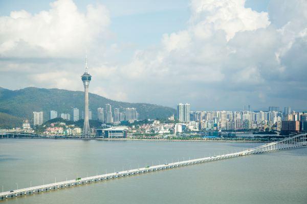 香港历年人均顶出产_中国面积最小的父亲城市,但为上海的1/200,人均顶出产却超香港