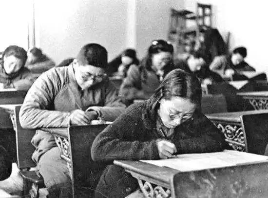 """打分""""潇洒"""" ,""""捧场""""听课!在民国参加考试是怎样一种体验?"""