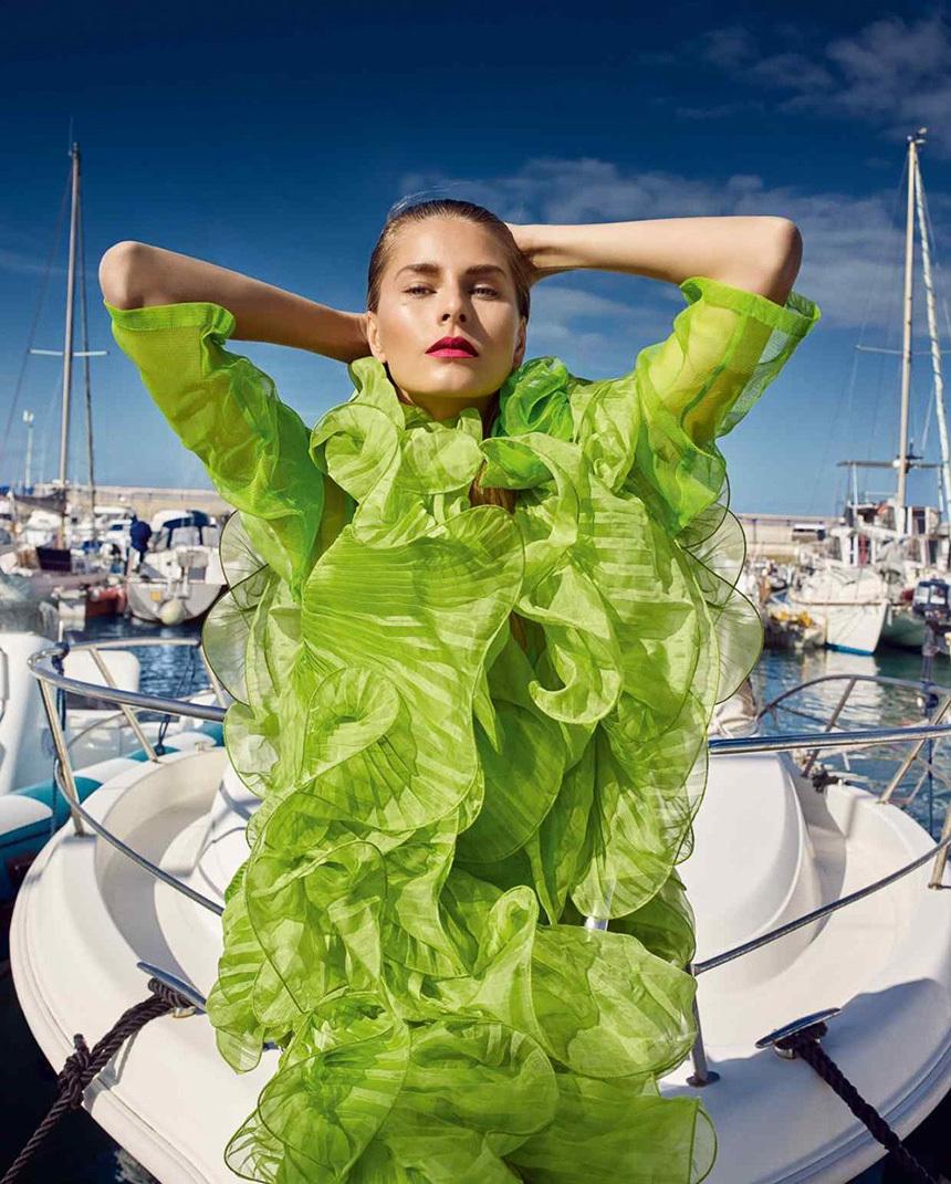 体验让人心情舒畅的海上度假风,时尚美人与美