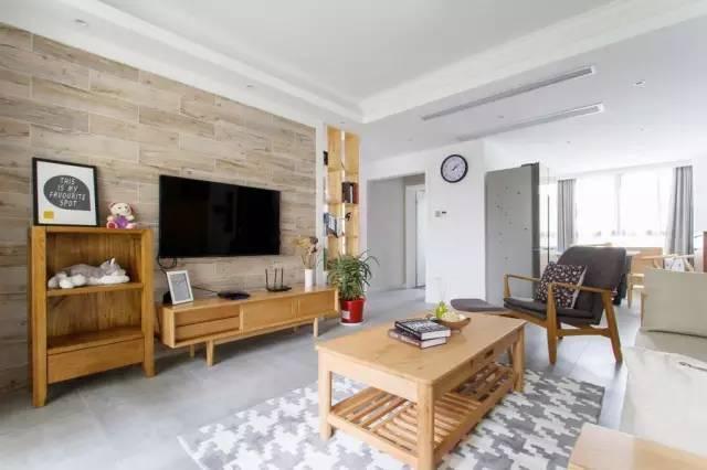 日式风格客厅木纹砖背景墙效果图图片
