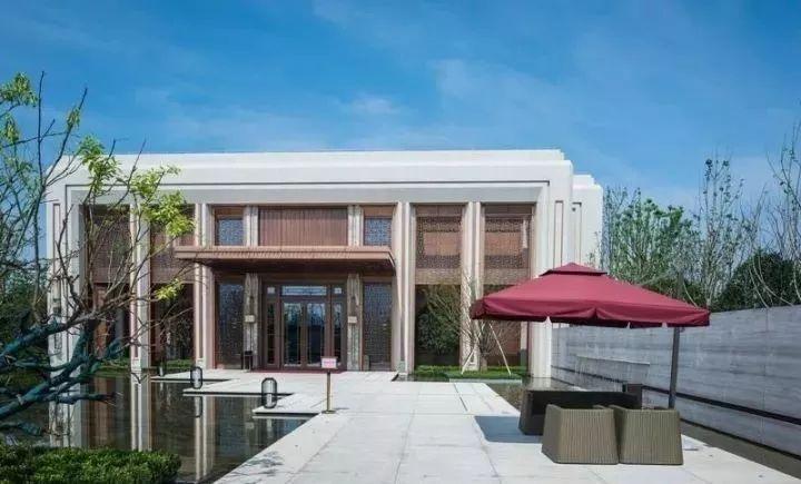 房产 正文  景观设计:普利斯设计集团 姚江金茂府示范区取意千年姚江图片