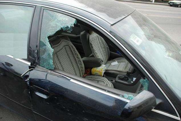 如果车钥匙掉锁在车里了怎么办 这里告诉你方法