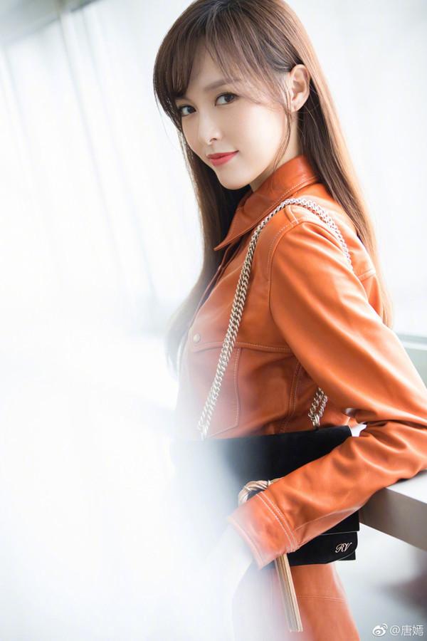 6月明星妆容合集:唐嫣换了空气刘海美出新高度,林允瘦到化了元气妆容也少女感全无?