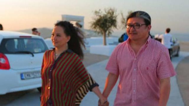 刘欢和妻子罕见现身 传两人结识仅9天就步入婚姻殿堂