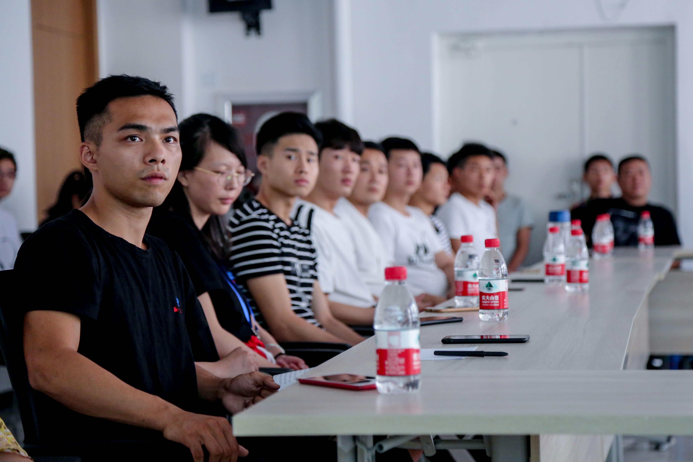 成都文武学校最新教师招聘信息-万行教师人才网