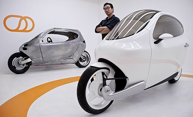 c-1自平衡电动摩托车的发明者与创始人是一名路虎汽车的技师韩裔美国