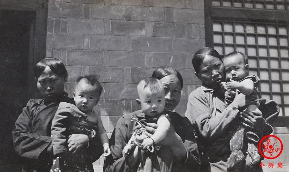 清末山西老照片: 妇女、乞丐、铁匠
