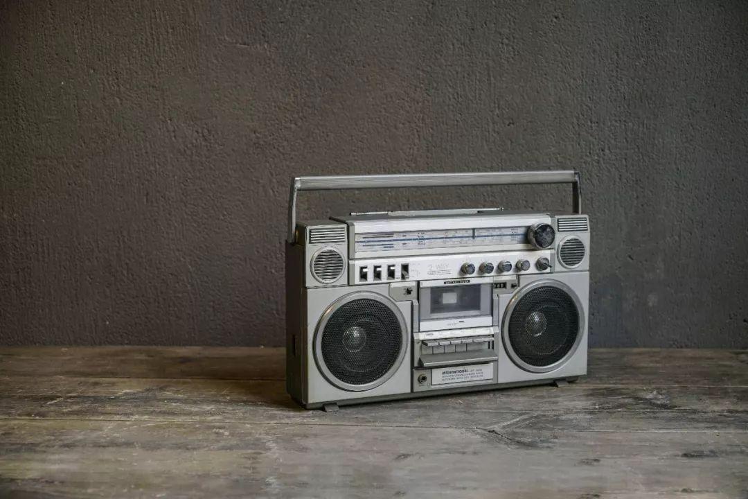 座钟和录音机,都是七八十年代的奢侈品 | 城市记忆图片