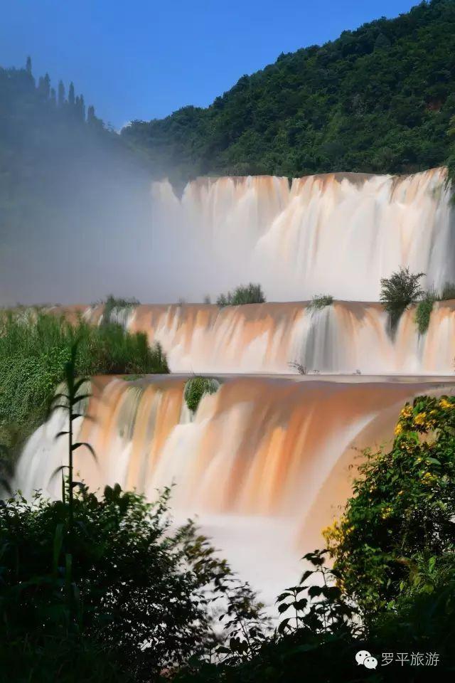 来罗平旅游,还可以游览多依河风景区,体验浓郁的布布依风情