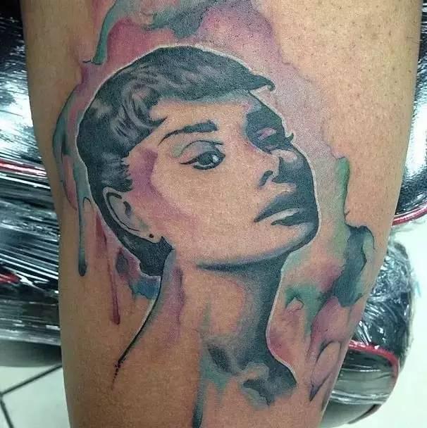 时尚圈的大杀器,性感迷人的小纹身
