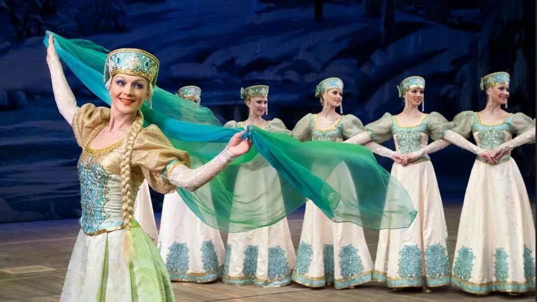 俄罗斯戈登科舞蹈团莎莉性感娜照片的图片