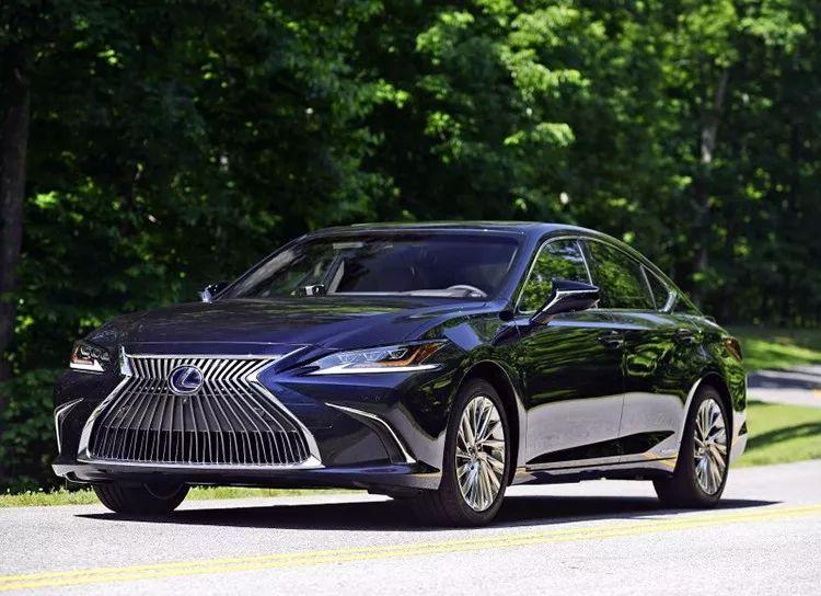 """雷克萨斯""""小LS""""恐加价,国产加长Q5 L怼标轴X3,辣评7月将上市新车!"""
