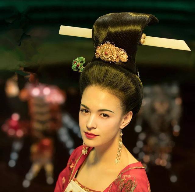 不爱江山爱美人?安禄山为了自己和杨贵妃私情才发动安史之乱的?