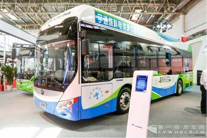 我想有两点值得注意:第一点,氢能是一种普适性的能源,氢燃料电池是一种普适性的转换装置,但它的开发和利用中,难度最大、最典型的应用场景是氢燃料电池汽车,把它作为氢能利用的技术突破口是很好的选择.