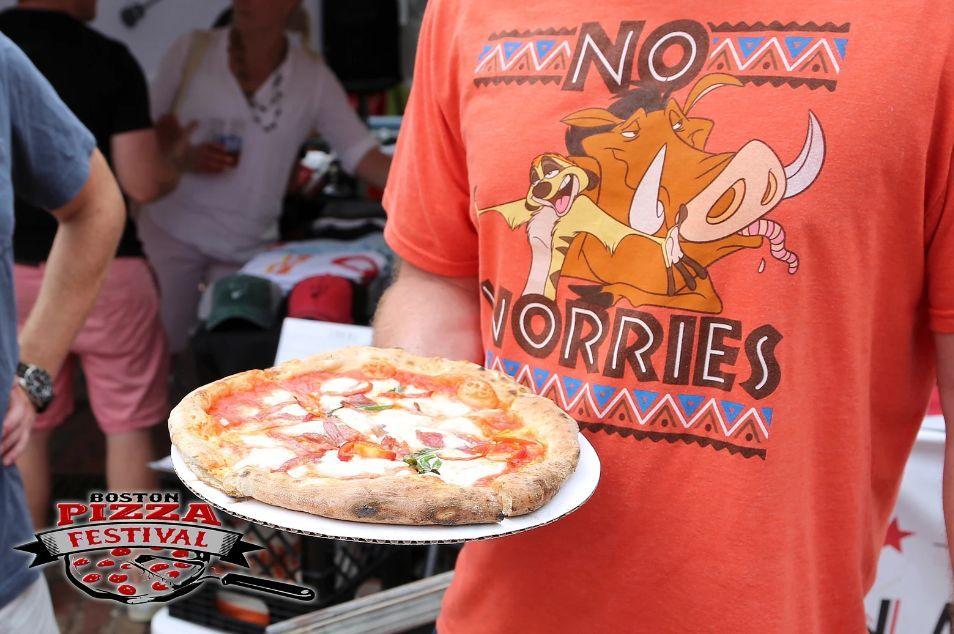 每天中午12点至晚间8点,市政厅广场举办的 第二届波士顿披萨节(the se图片
