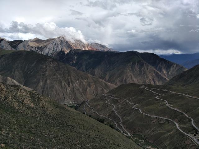 自驾走川藏线?看看这些路况再决定! 川藏线旅游攻略 第10张