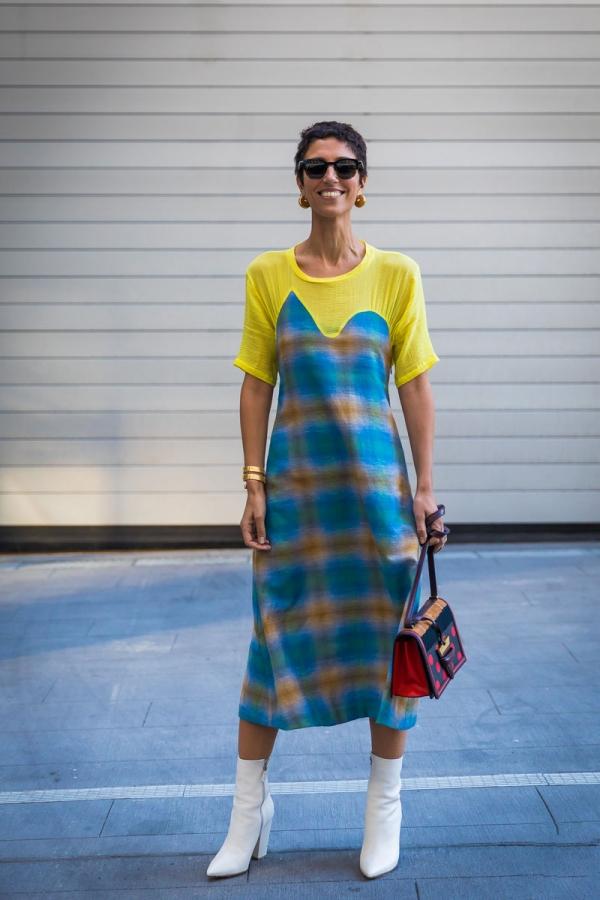 黄衣服配什么包?才是潮流一线穿搭小公主