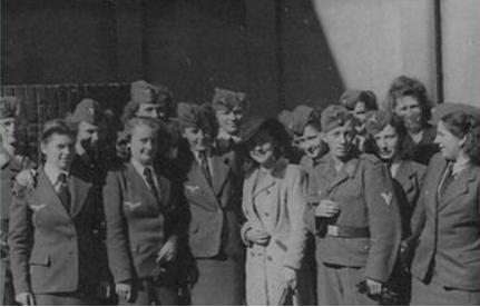 魔鬼女接中营_纳粹集中营里面最凶残的不是男看守,而是这些女护士