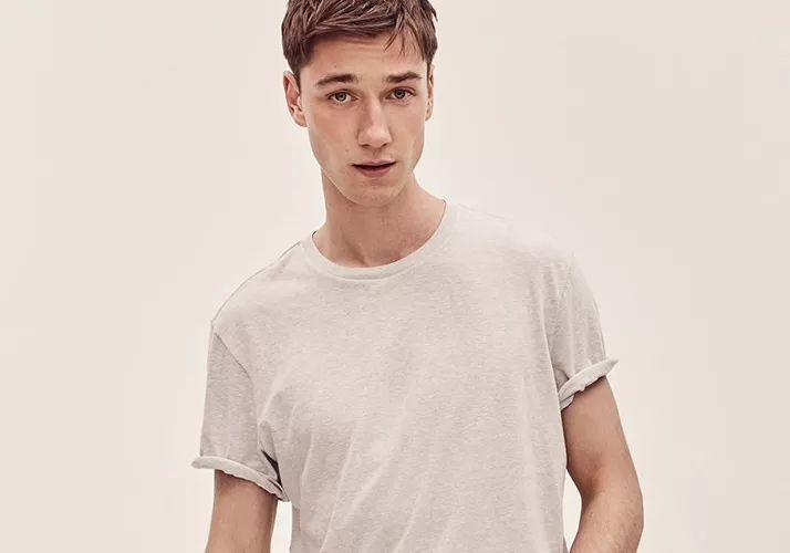 有哪些低调有品质的男士T恤品牌?