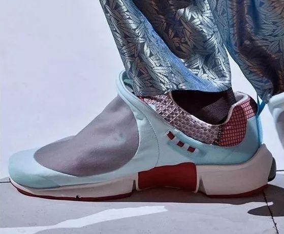 盘点 2019 春夏时装周球鞋新作:Chunky Shoes 已开始退潮?