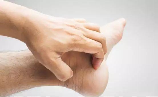 柳树叶治脚气的原理_治脚气什么方法最有效 10妙招最有效