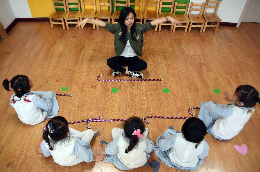 身高不够1.5米就当不了老师,这是什么逻辑?| 新京报快评