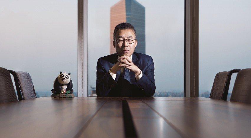 华人文化集团完成近100亿元A轮融资,万科阿里腾讯领投