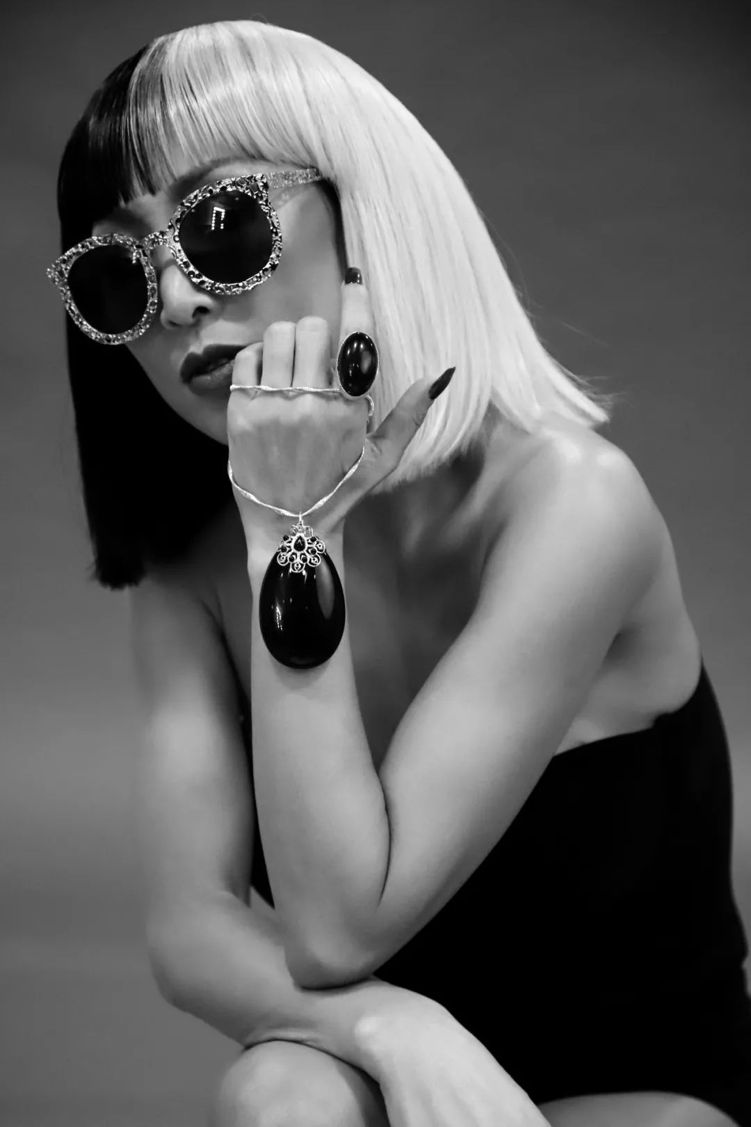 时尚女魔头唐拉拉-引领中国时尚新风尚