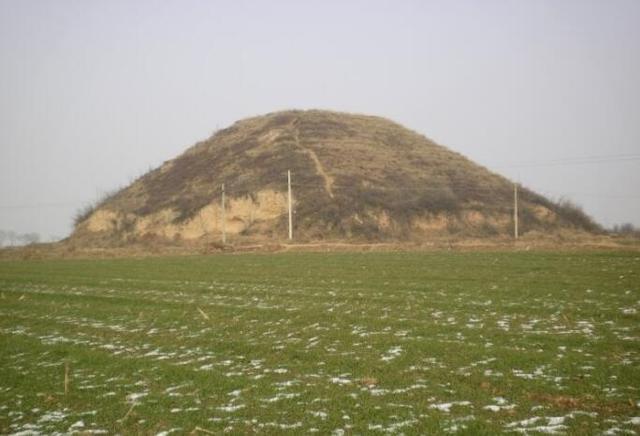 明朝王爷墓被炸,考古学家说两个瓶子值5亿。