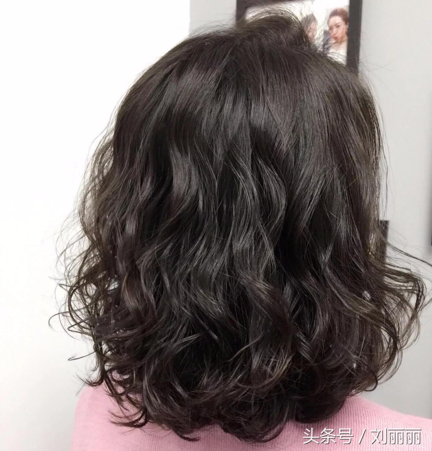 流行长发发型卷发发型图片2018款图片