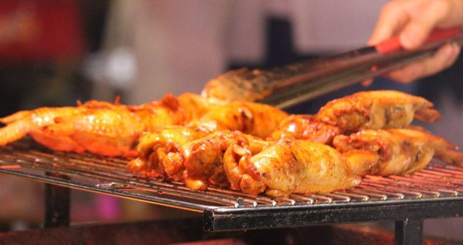 美食 正文  东门夜市 东门味道,是我心中最正宗的 东门可以说是汇聚了图片