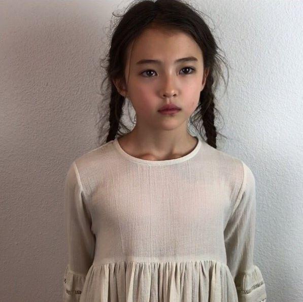 【组图】10岁网红小萝莉签约yg旗下 混血五官精致可爱