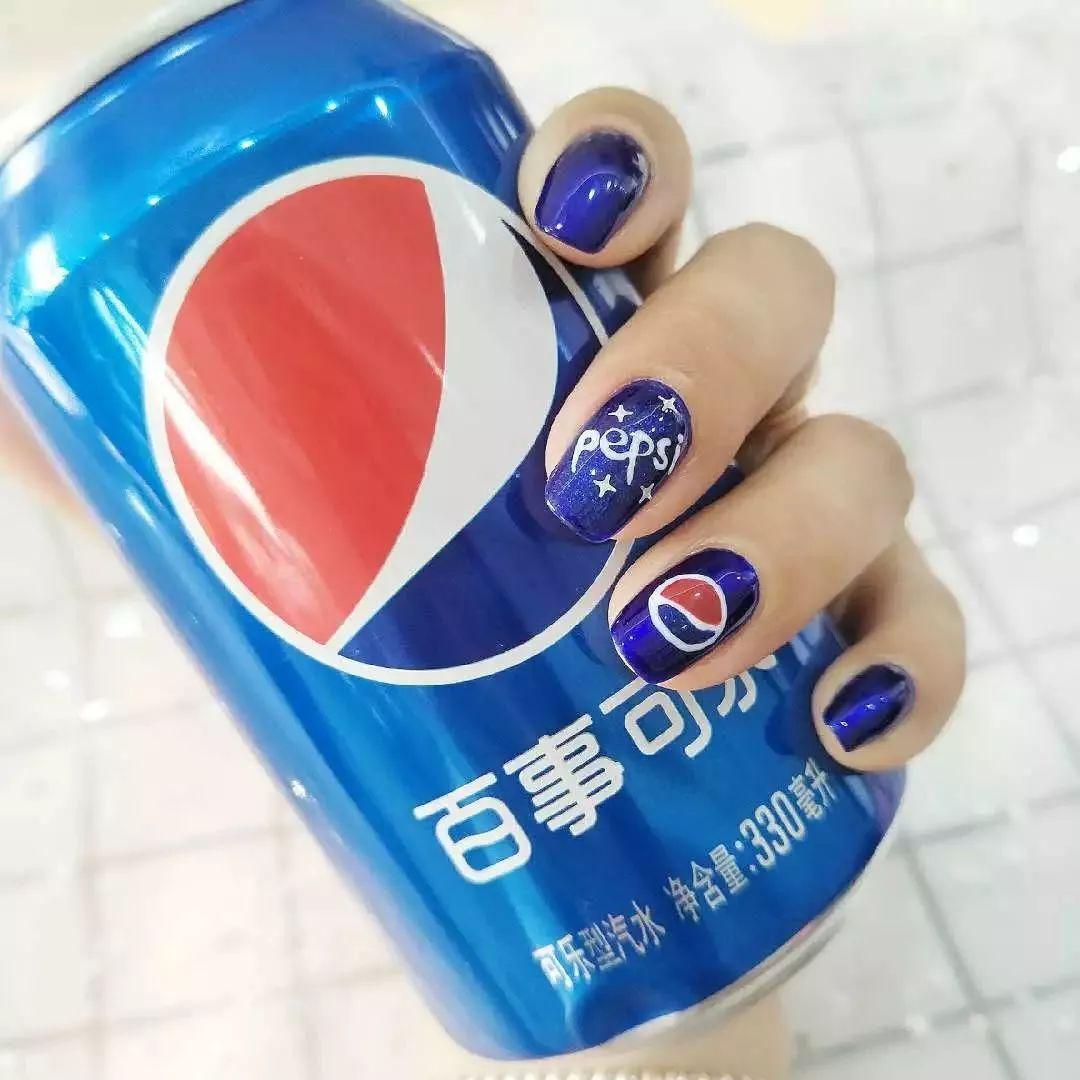 可口可乐logo潮图壁纸