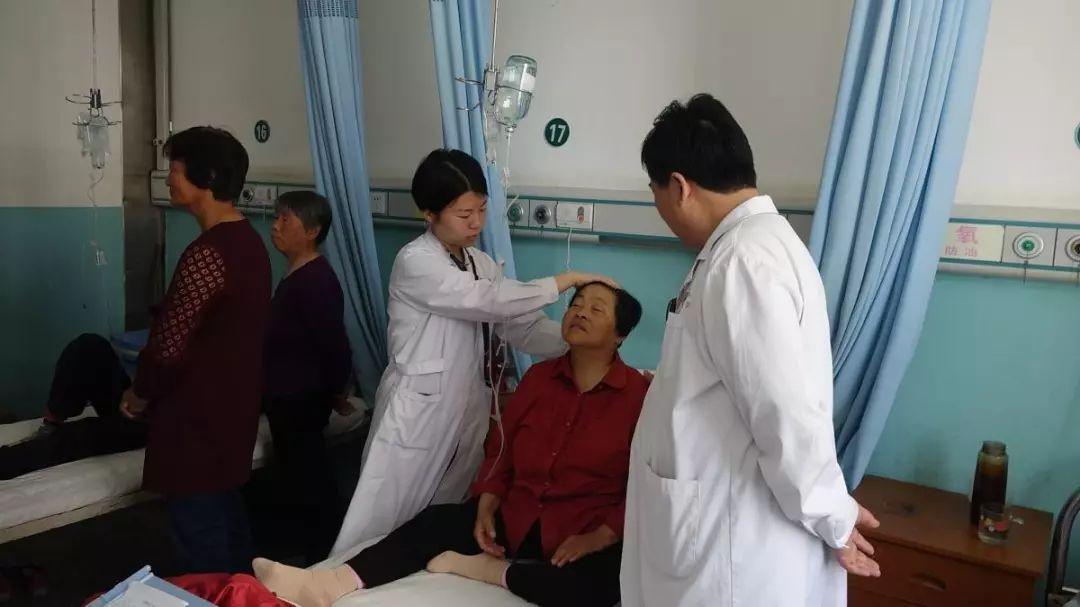 胸腹水常规_我院内科成功开展一例应用中心静脉导管行腹腔穿刺置管引流术