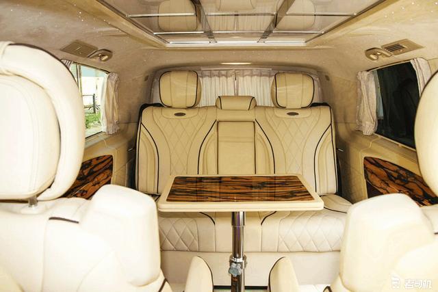 奔驰经典改装商务车 超大空间比埃尔法更豪华 就是一座移动的宫殿