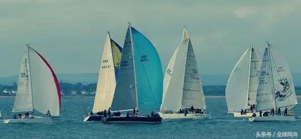 帆船和划独木舟