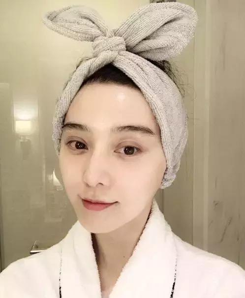 女明星化妆视频_女明星也用便宜化妆品 刘嘉玲曝光明星真实化妆台 网友:想拥有!