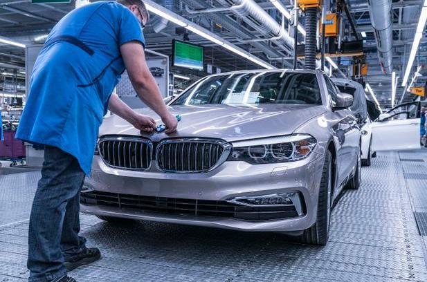 宝马计划在丁戈尔芬工厂生产内燃机车、电动及混动车