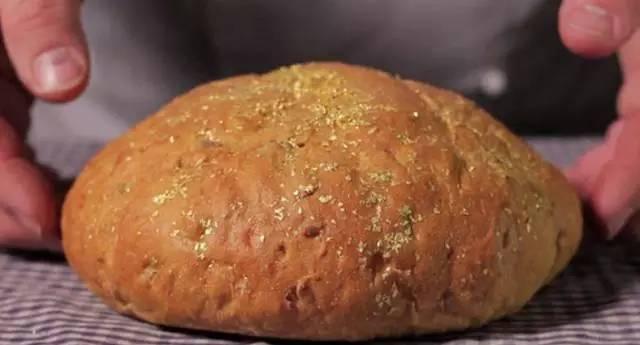 为什么面包可以卖得很贵,而馒头却不行?