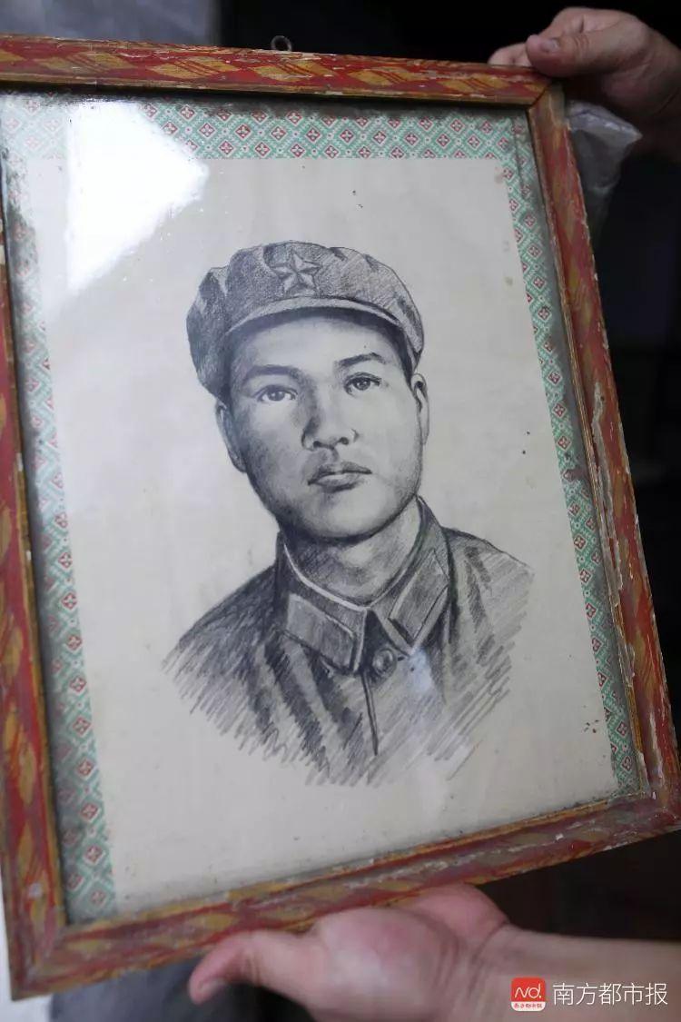 """""""四十几年了,一直不知他葬在哪!""""南疆铁路广东籍6烈士家属忆往事泪目"""