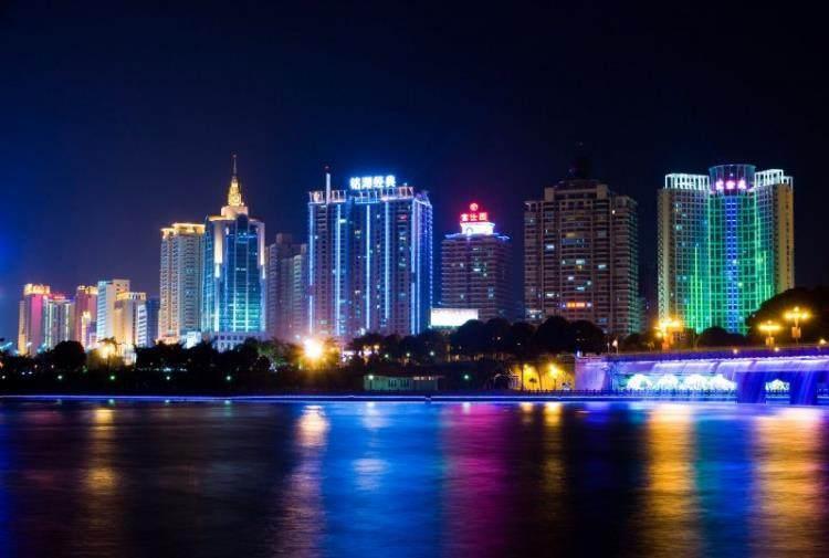玉林市经济总量2017年_2021年玉林市初三一模