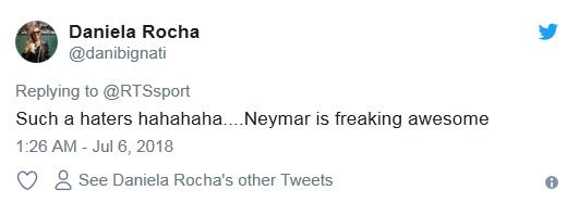 内马尔世界杯14分钟倒地翻滚遭网友吐槽:他需要婴儿学步椅的照片 - 11
