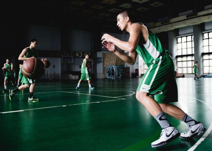 台湾小学篮球赛都有直播了,我们却连在赛场哭的机会都没有?